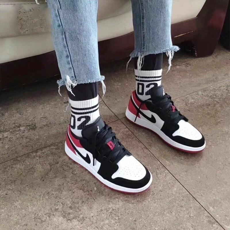 耐克官网旗舰男鞋女鞋Air Jordan 1 Low AJ1乔1低帮板鞋553558