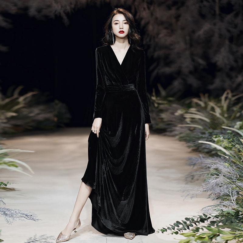 黑色丝绒晚礼服裙女2019新款年会宴会长袖冬季连衣裙平时可穿大码