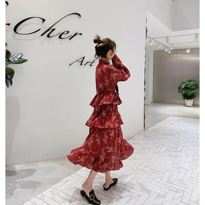很仙的法国小众连衣裙女装春装2019新款波点流行裙子气质过膝长裙