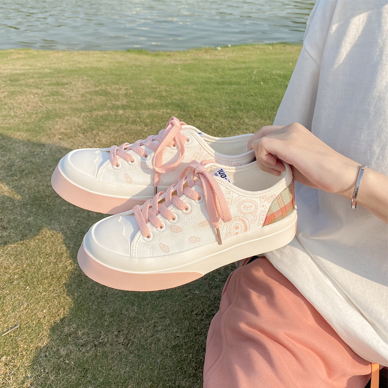 Large head canvas shoes cashew pattern early autumn 2021 new thin minority Design Japanese checked womens shoes low top