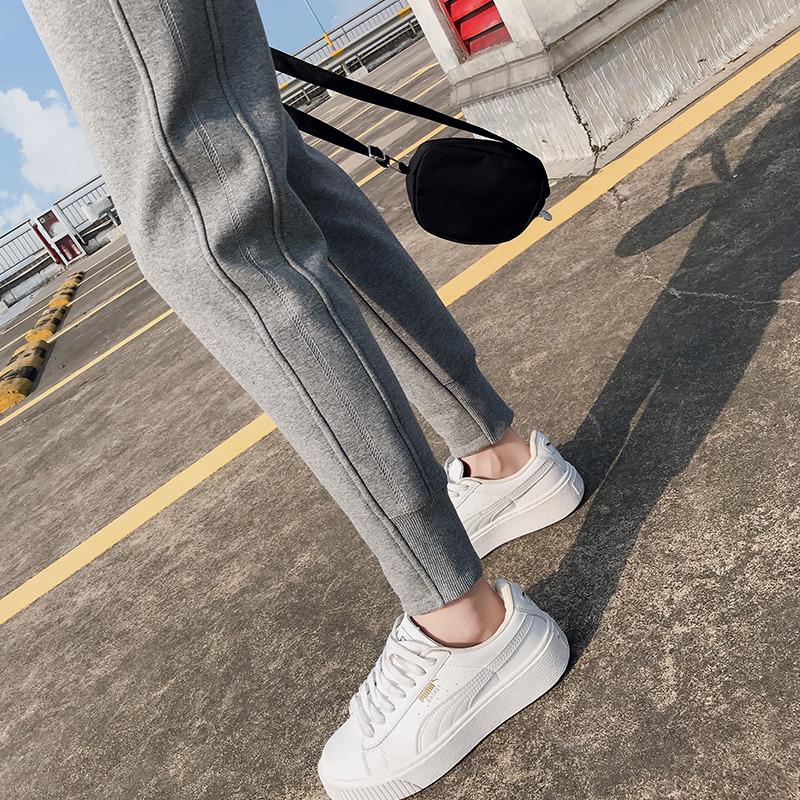Sweatpants women 2020 new loose-fitting feet autumn and winter gray casual women's trousers plus velvet thickening outer wear pants