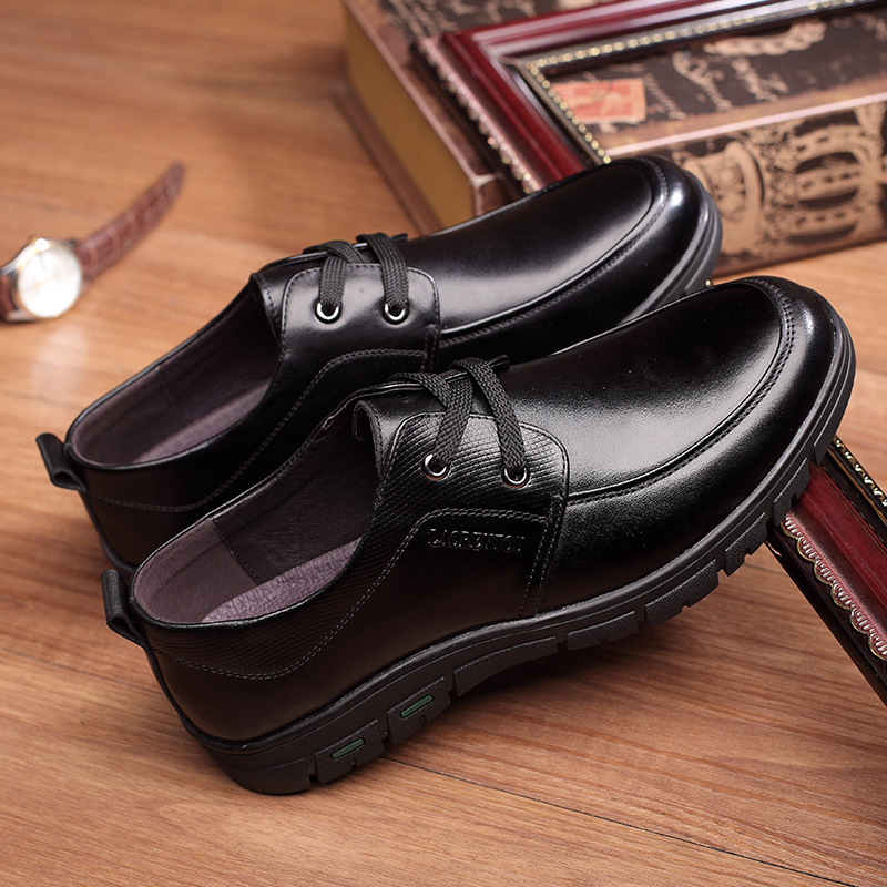 New big brand mens casual single shoes low top leather mens shoes middle-aged mens casual shoes Wenzhou broken size clearance