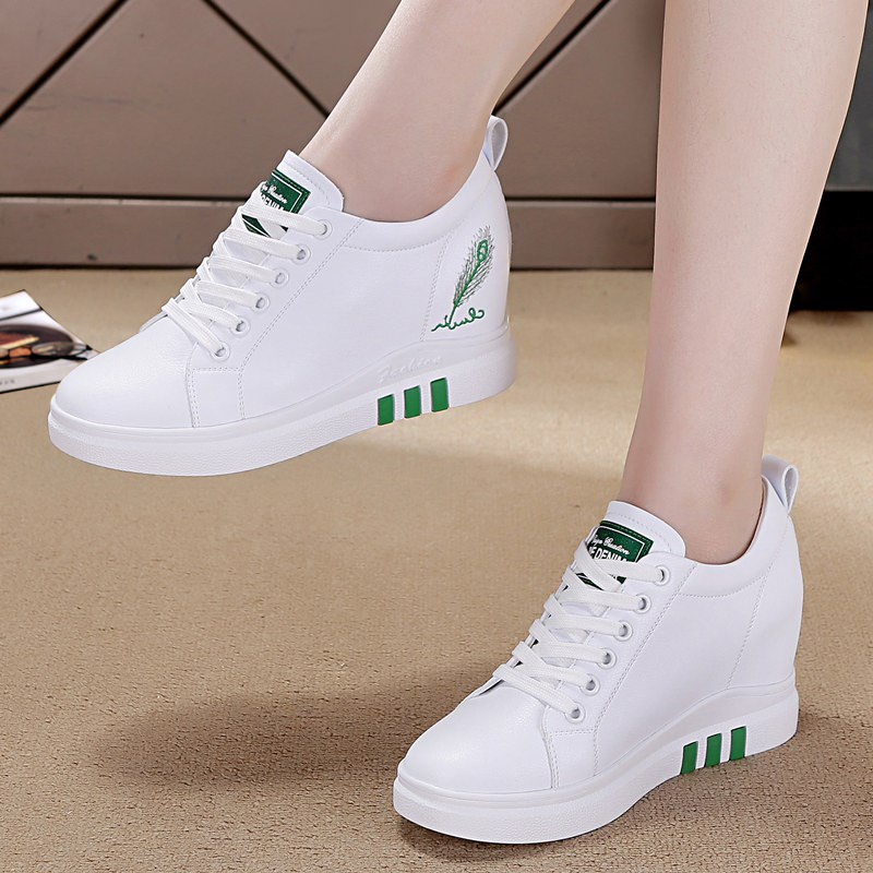 Inner heightening small white shoes womens 2021 spring and summer single shoes new versatile leather breathable sports casual shoes women look thin