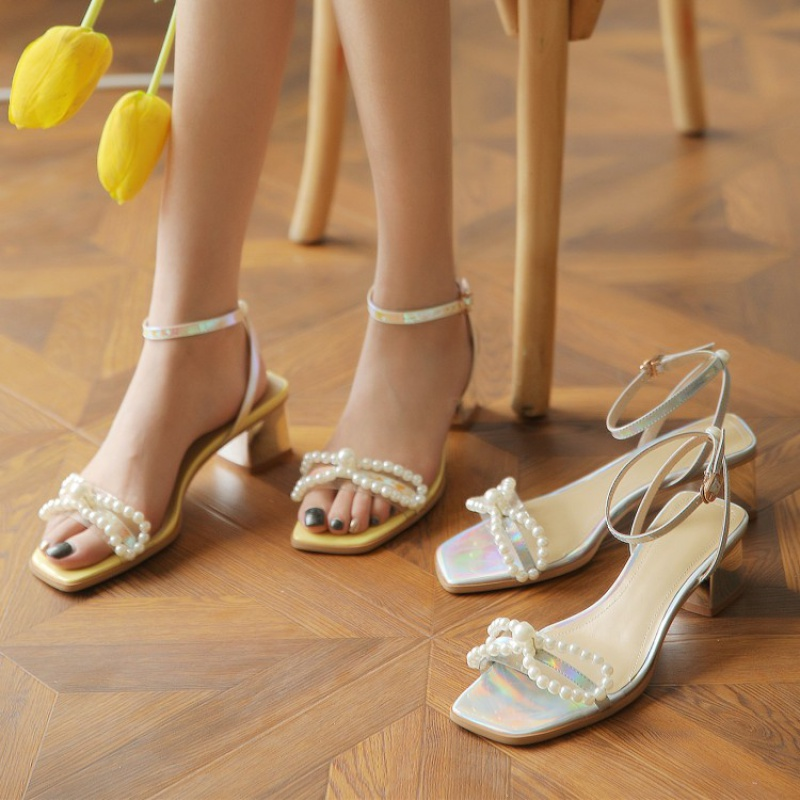 Small fragrant sandals female pearl bow ribbon Roman silver thick high heel Hong Kong Style super fire holiday fairy shoes