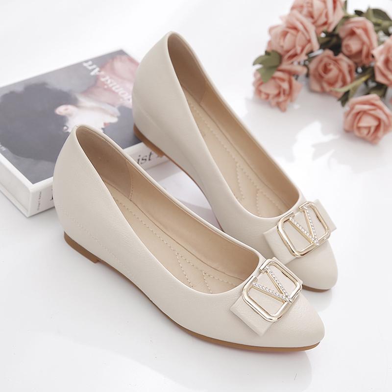 坡跟单鞋女2021新款春秋季浅口百搭妈妈软底防滑内增高豆豆鞋舒适