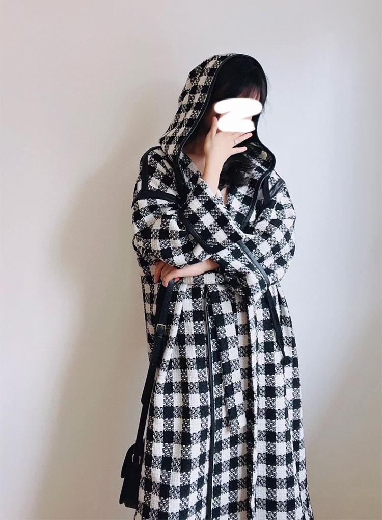 时髦的力量羊毛混纺黑白格子拼皮革中长款女巫帽宽松大衣大版外套