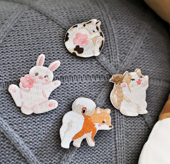 Orzo selected letter lovers flower room collection lovely animal clothing decoration embroidery BROOCH BADGE full package mail