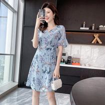 奢姿2021大码女装夏季新款V领印花连衣裙胖妹妹系带收腰显瘦裙子