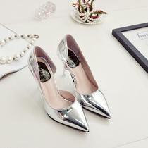 秋2020新款女士百搭银色气质高跟鞋尖头浅口姓感细跟侧空单鞋中跟