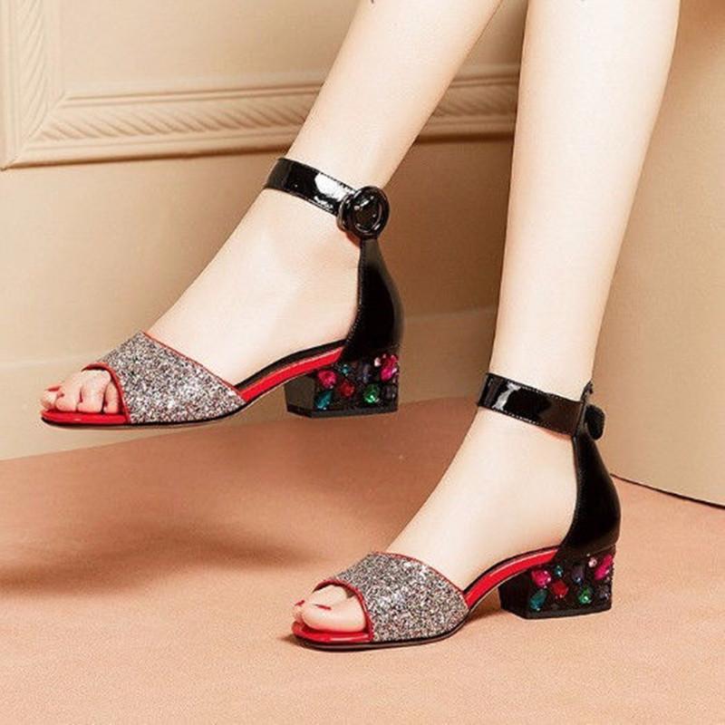 2020夏季新款粗跟凉鞋女中跟鱼嘴时尚百搭凉鞋水钻一字扣露趾女鞋