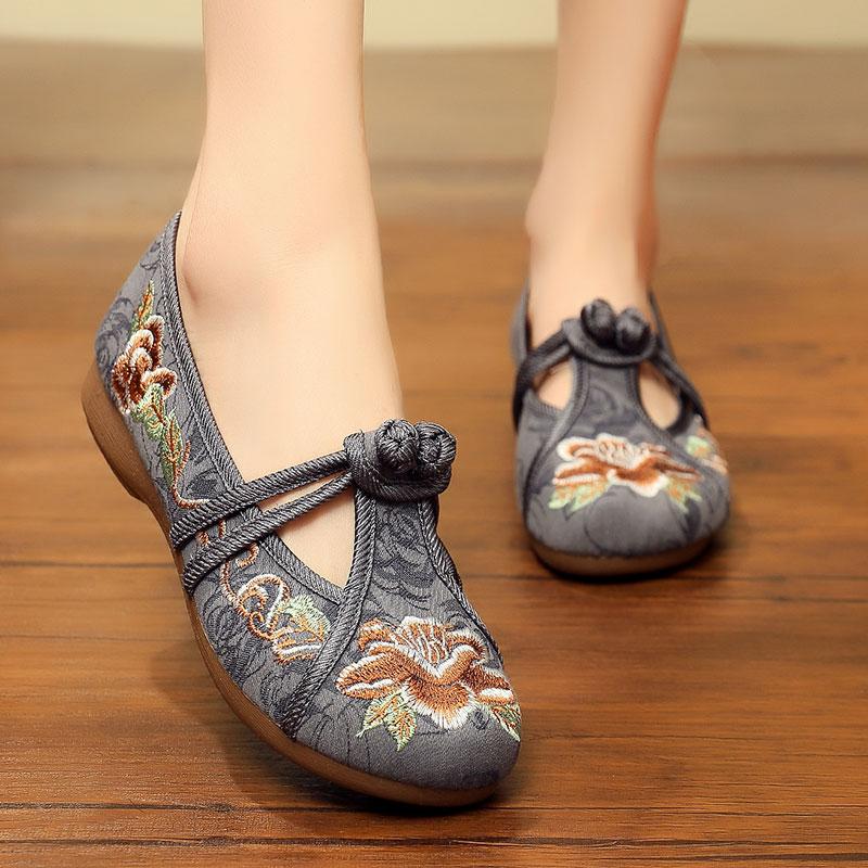 女士大码女布鞋41-43老北京绣花鞋平底帆布女鞋单鞋 软底汉服鞋子