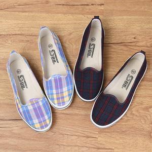 赛格老北京中年人布鞋女正品平底秋季帆布老年老太太格子女鞋防滑