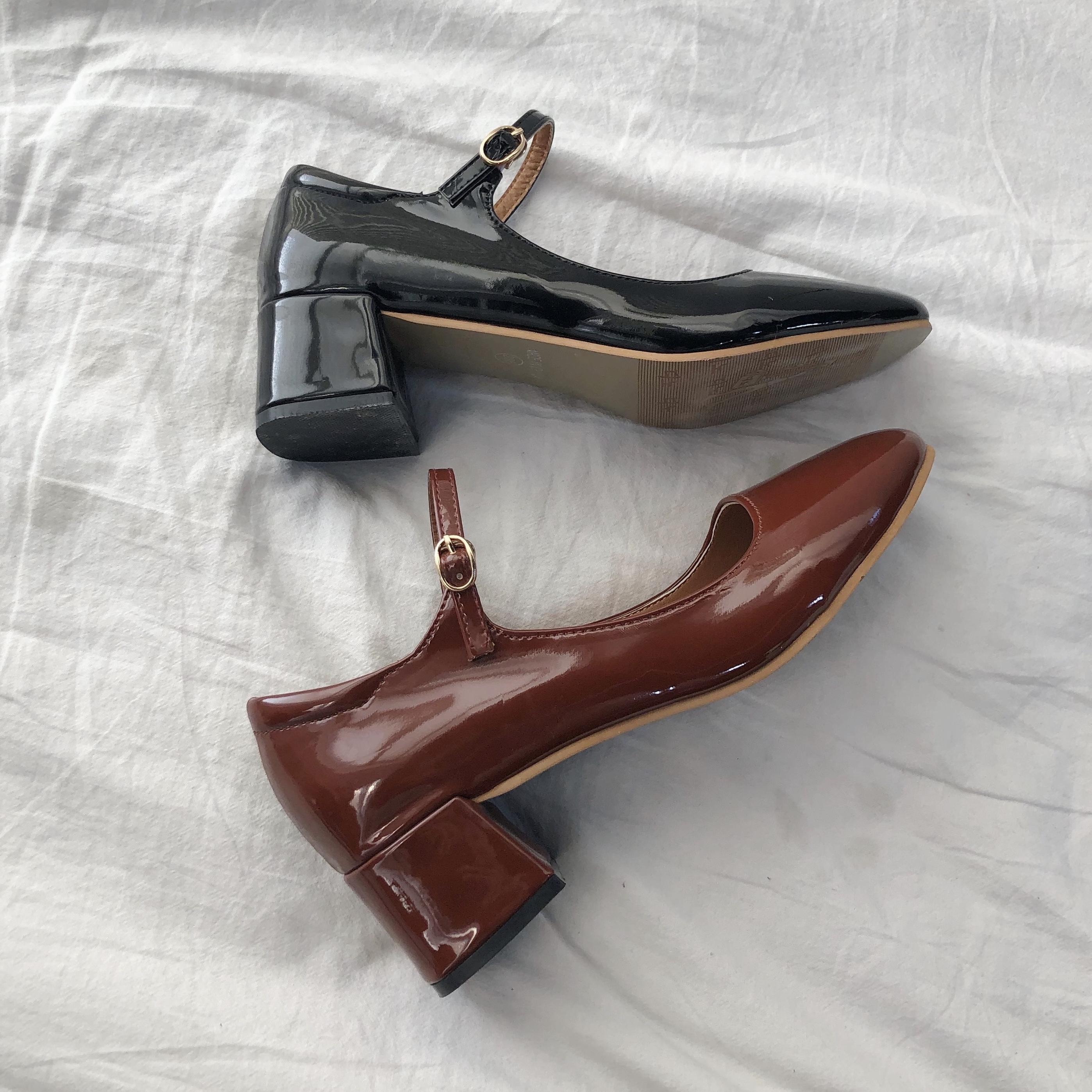漆皮玛丽珍鞋女复古2020春季新款一字扣单鞋粗跟方头中跟仙女鞋潮
