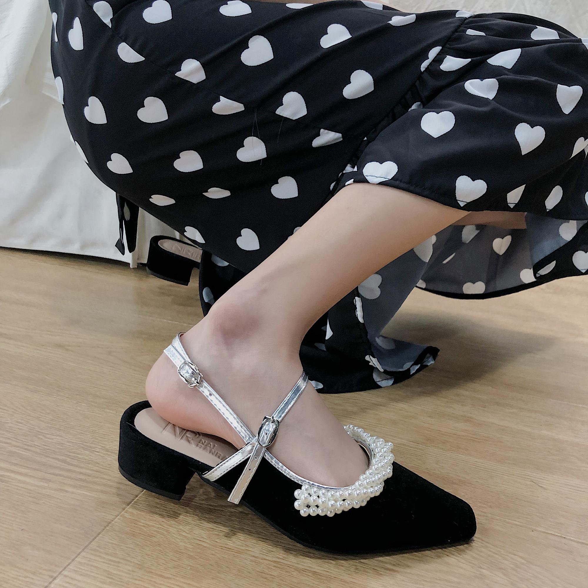 单鞋女2021春夏赫本风包头玛丽珍一字扣带珍珠粗跟仙女高跟鞋凉鞋