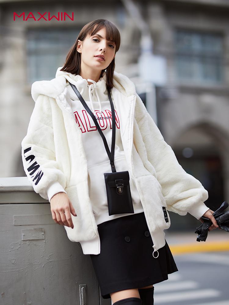 Maxwin 马威 18年冬季新款 仿羊羔绒宽松保暖女式连帽外套 聚划算+天猫优惠券折后¥189包邮(¥269-80)2色可选