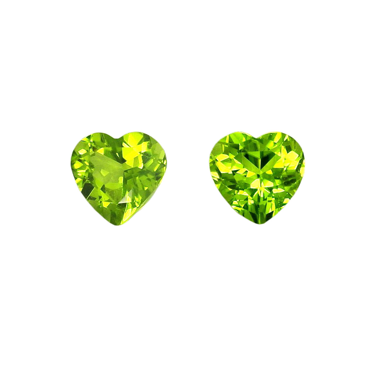 A pair of 9mm heart-shaped high purity olivine bare stones can be used as rings, pendants, earrings and belt certificates (issued)