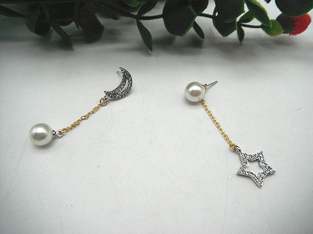 18K Gold Plated 925 silver needle zircon marking g * am * ver star moon fringed Pearl Earrings