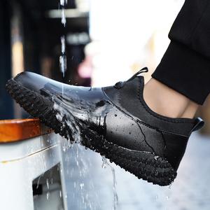 雨鞋男钓鱼防滑防水洗车厨房厨房工作鞋黑色男鞋纯黑鞋子懒人皮鞋