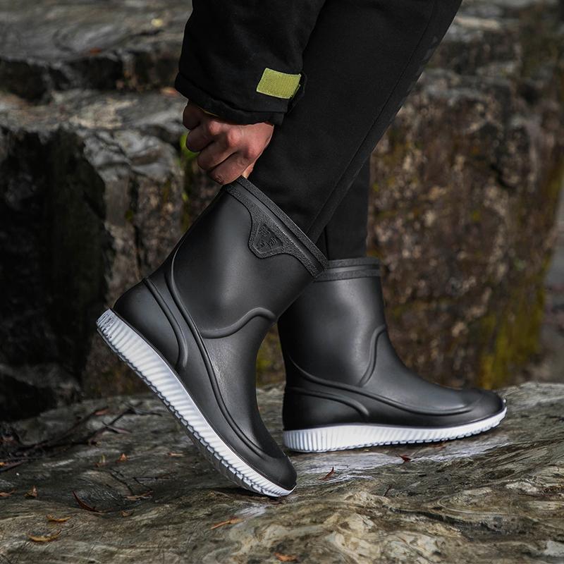 冬季男士雨鞋中筒防滑时尚雨靴厨房工作鞋男洗车保暖水鞋钓鱼胶鞋