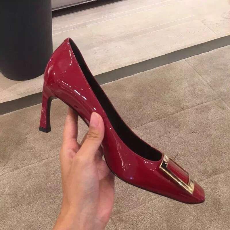 2020春百搭网红新款方扣香蕉跟单鞋中跟细跟红色方头高跟鞋女婚鞋
