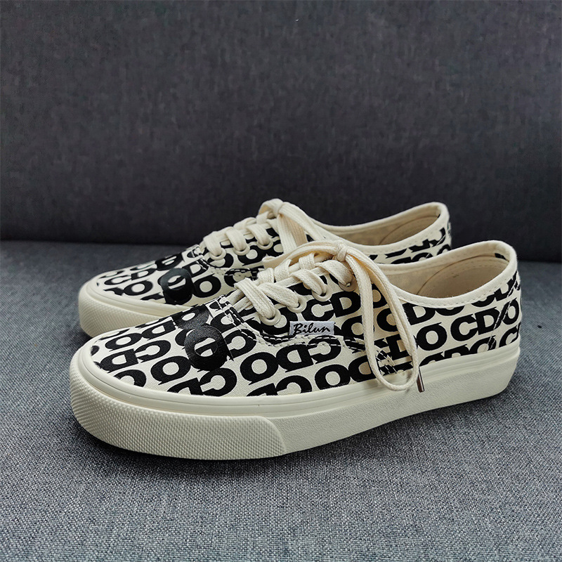 Letter printed canvas shoes low top boys and girls skateboard shoes