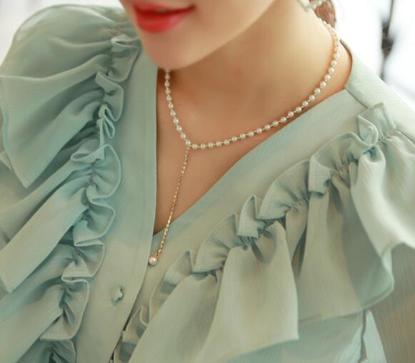 South Koreas dongdamen first imported jewelry womens fashion pearl chest chain pendant short necklace clavicle chain