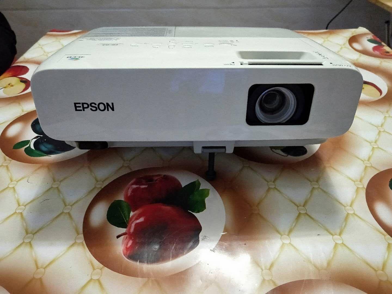 二手家用爱普生eb-824 3000 3d投影机10-11新券