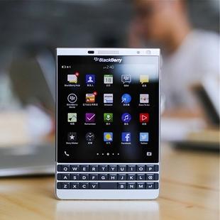 黑莓 Passport Q30护照二代全键盘4G手机 BlackBerry/黑莓 DTEK50