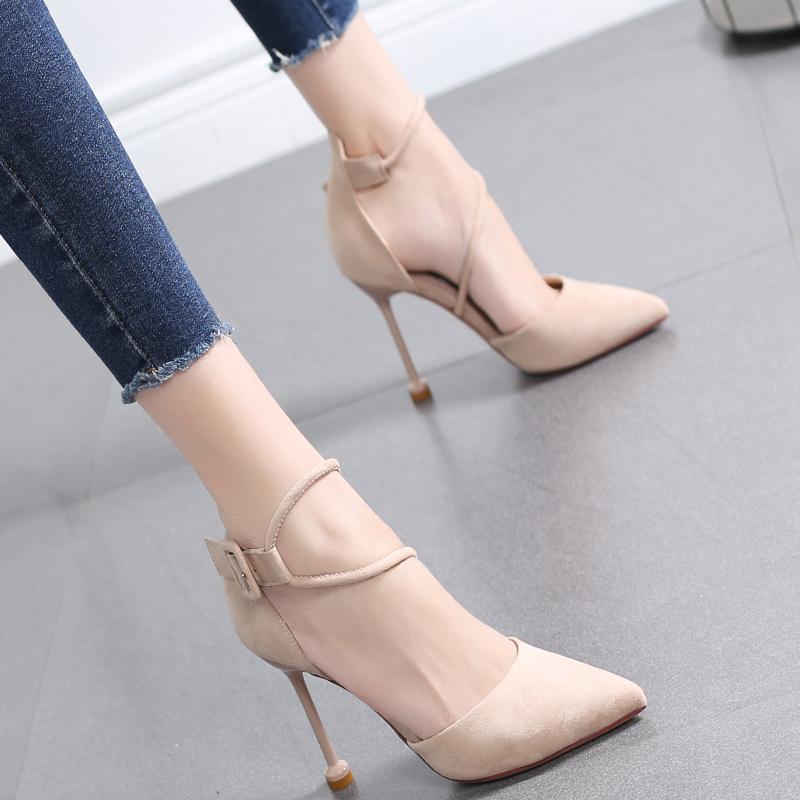 2020新款尖头浅口单鞋女细跟法式少女百搭网红春季一字扣带高跟鞋