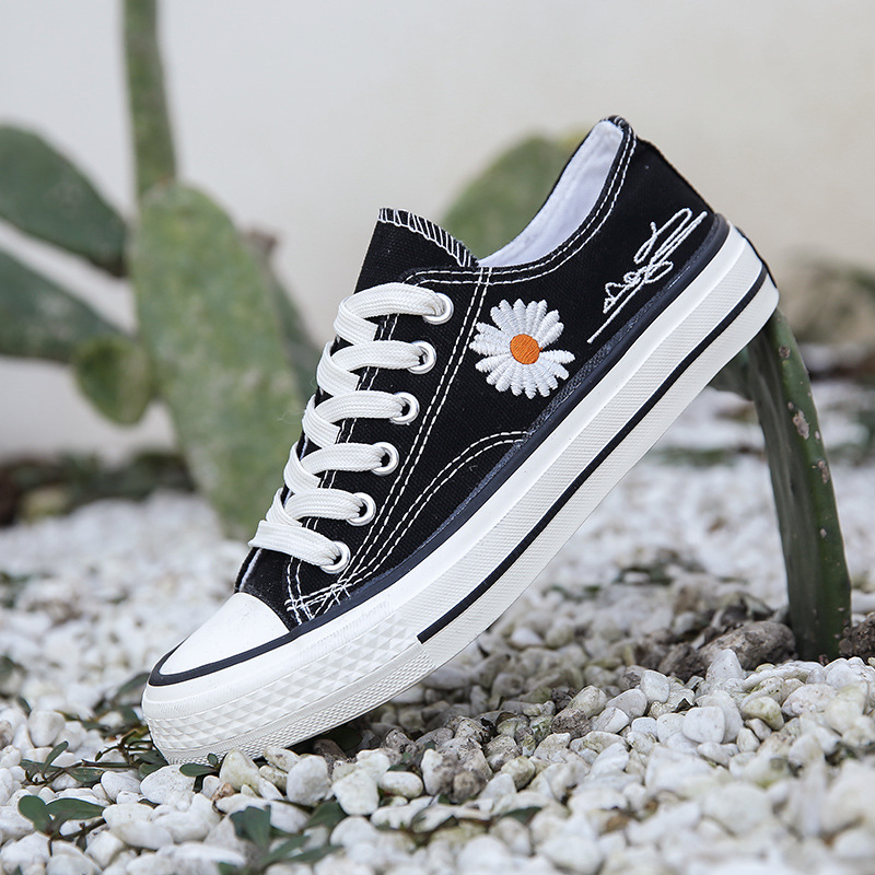 Little Daisy canvas shoes for women 2020 summer new shoes for women students retro low top canvas shoes thin breathable board shoes
