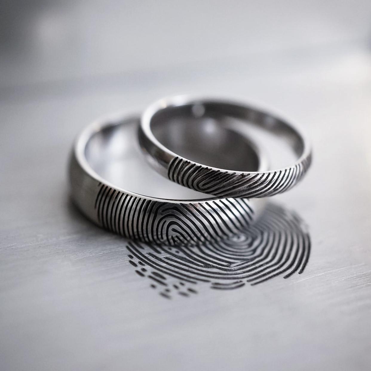 囚人カスタムアクセサリーオリジナルハンドメイドシルバーの指紋リングカップルのペアリングのシンプルな高級感