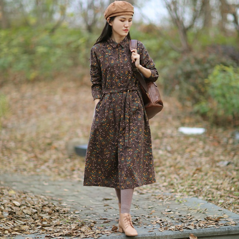 Summer 2020 new literary and artistic style shirt collar with brown matte printing medium length dress for women to look thin