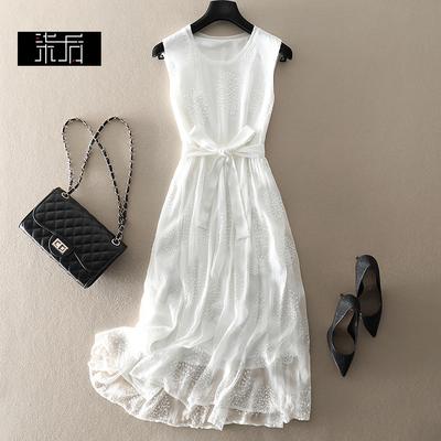 2020春夏新款宽松显瘦真丝绣花无袖白色仙女连衣裙桑蚕丝度假长裙