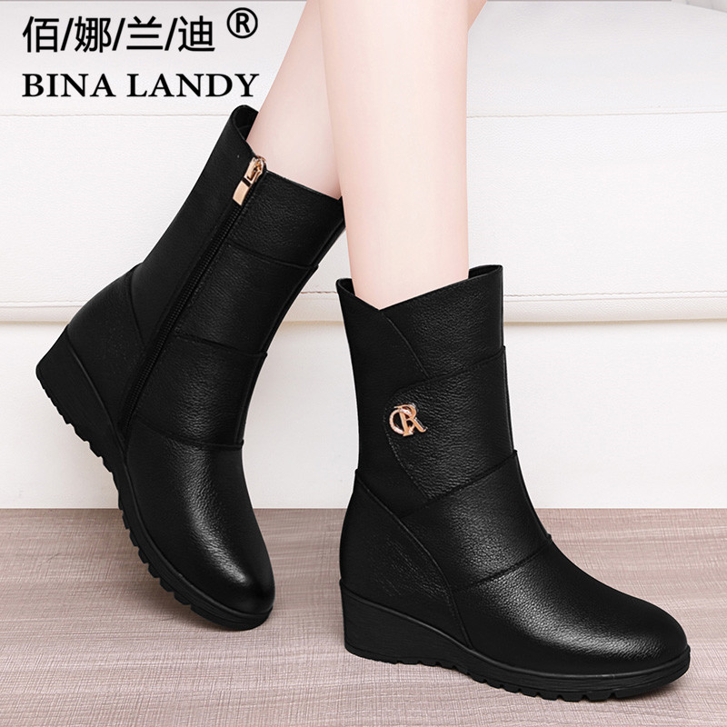British style boots 2021 new middle boots womens winter Plush thickened slope heel leather middle heel leather boots