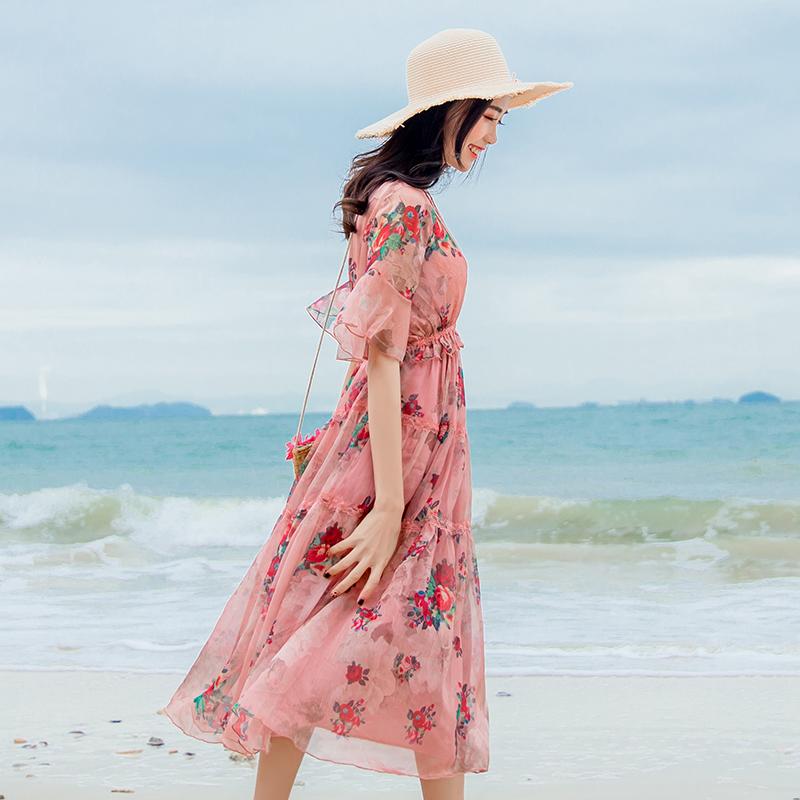 波西米亚连衣裙女夏2018新款沙滩裙海边度假v领碎花超仙雪纺长裙