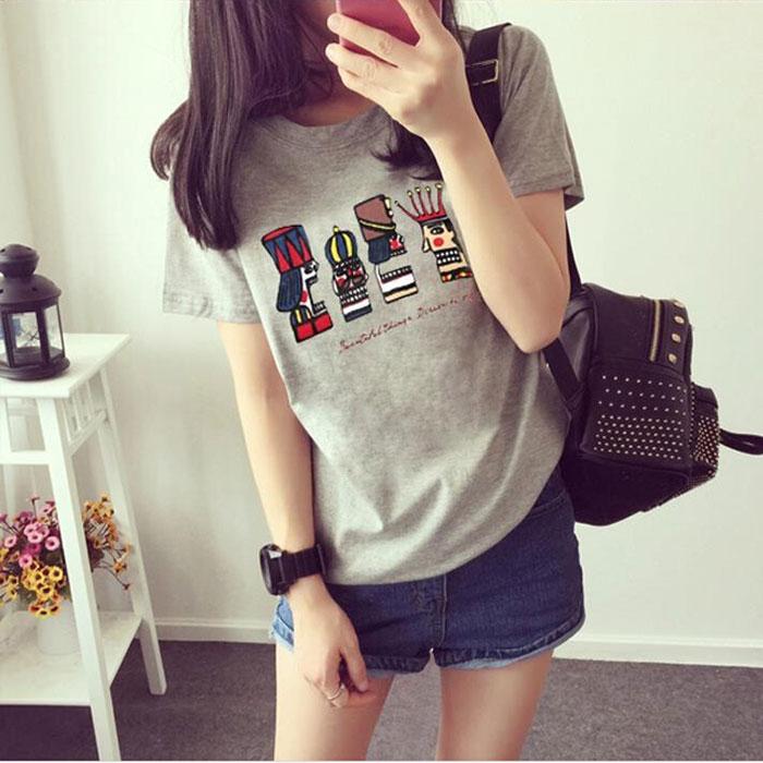 Новый корейской версии женщин летом мультфильм Король t рубашка короткий рукав свободный размер студентов рукав дна рубашки женщин