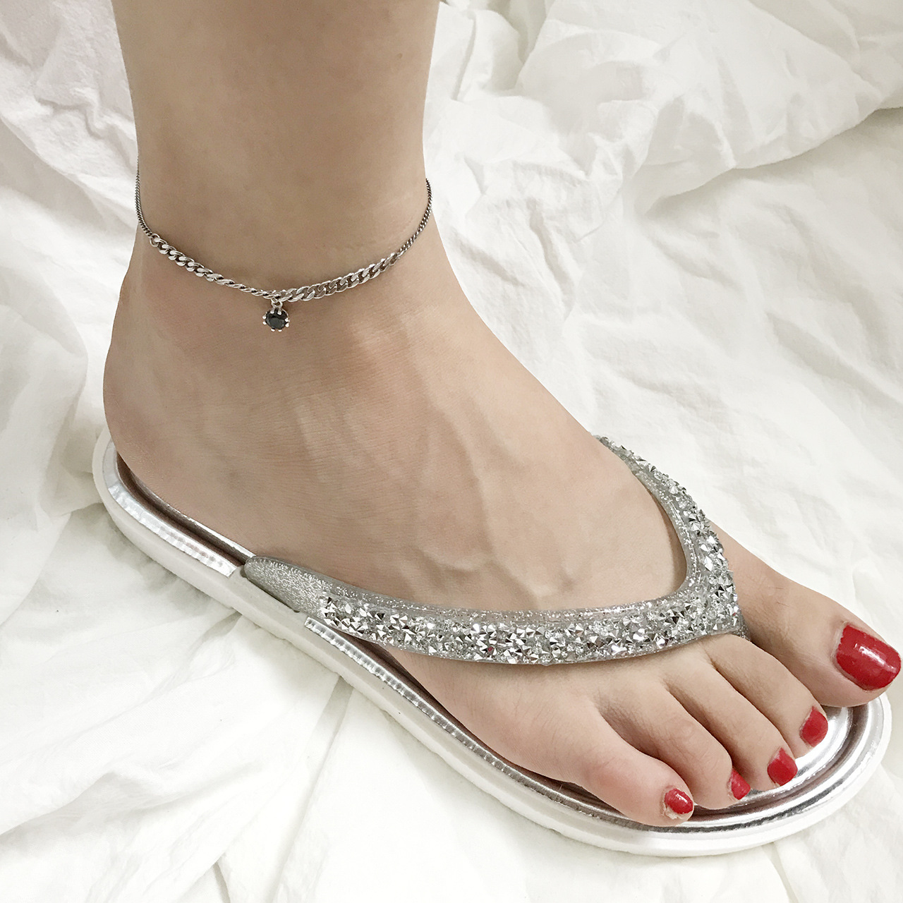 Original personality South Korean S925 pure silver retro Thai silver inlaid with zircon foot chain twist chain modeling foot chain
