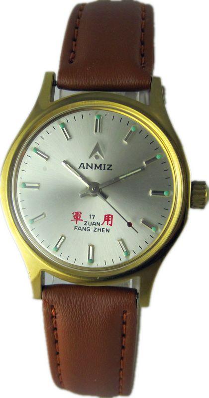 国産記念腕時計中号女性腕時計レトロな夜の光スポット手巻き腕時計学生時計