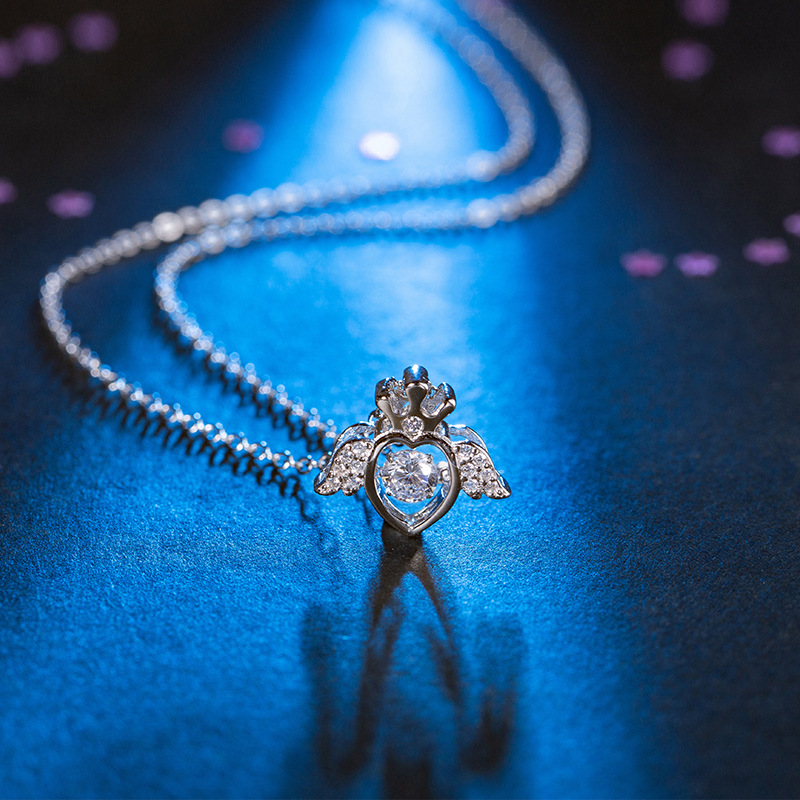 Beating heart crown Angel Necklace S925 Sterling Silver smart heart clavicle chain exquisite inlaid with noble diamond
