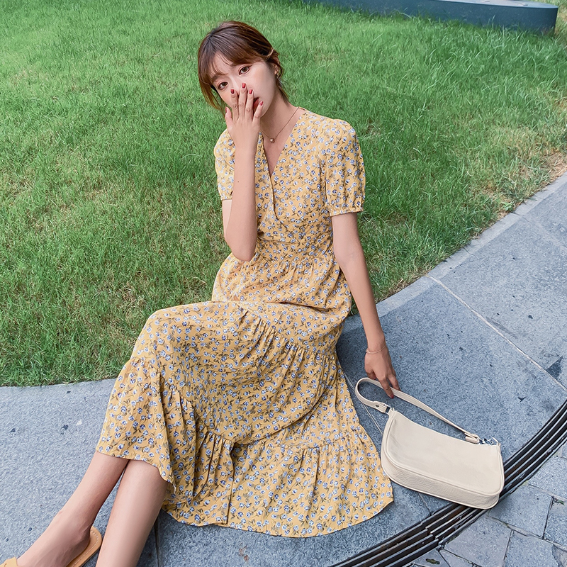 Spring and summer 2020 new egg yolk long skirt French retro floral dress with waist closing and thin temperament Chiffon Dress
