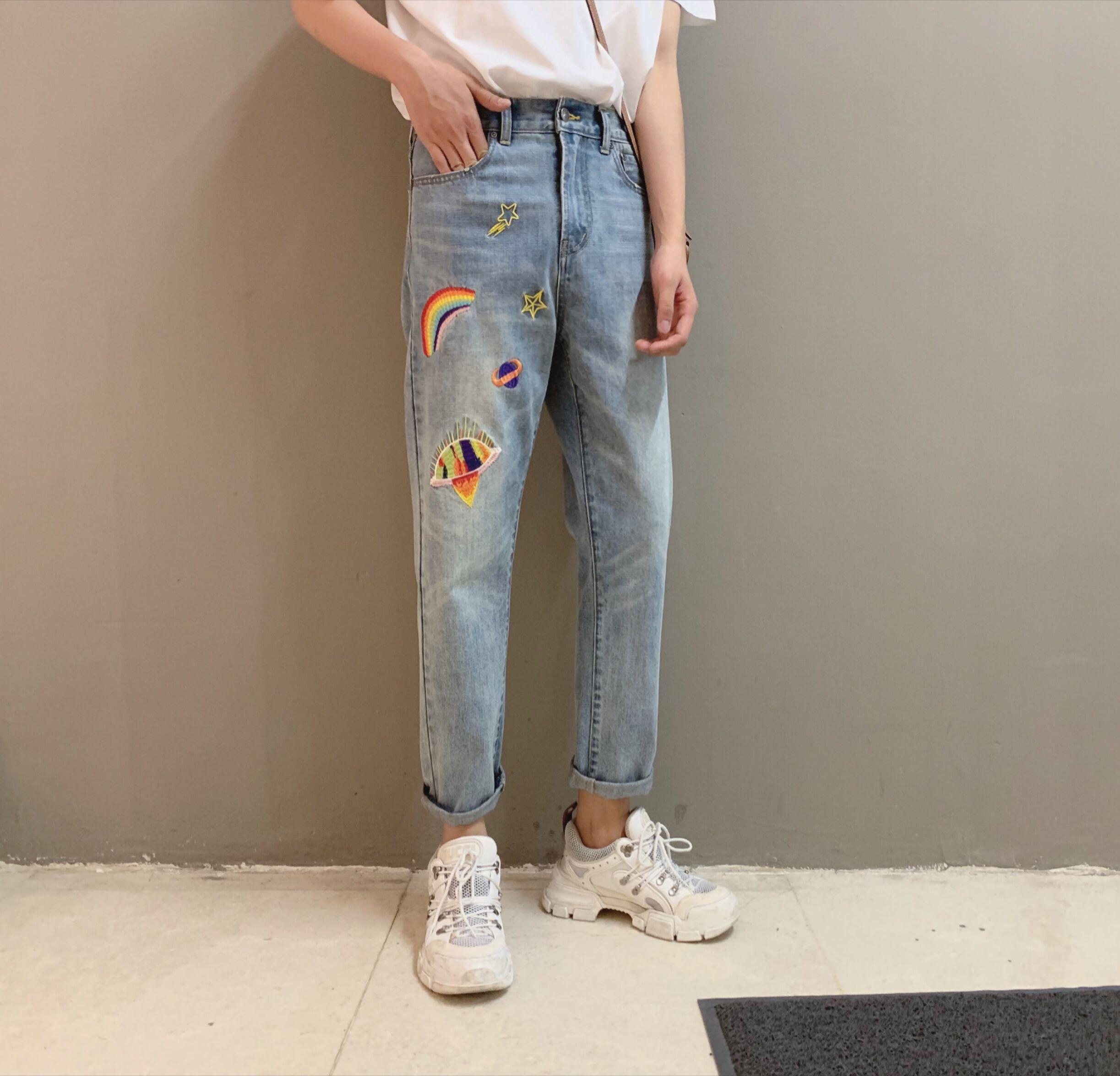 (用5元券)阿茶与阿古蓝色星球刺绣牛仔裤男夏季薄款宽松直筒九分休闲裤子
