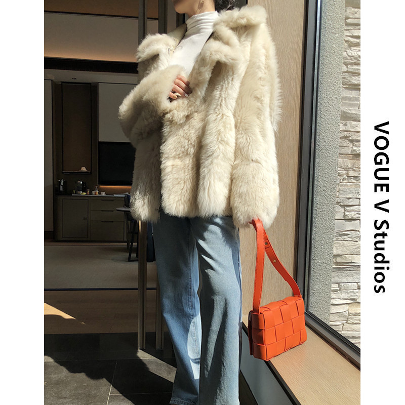 New imported Tuscany in winter of 2019, real fur on both sides, womens coat, lamb fur and grass coat