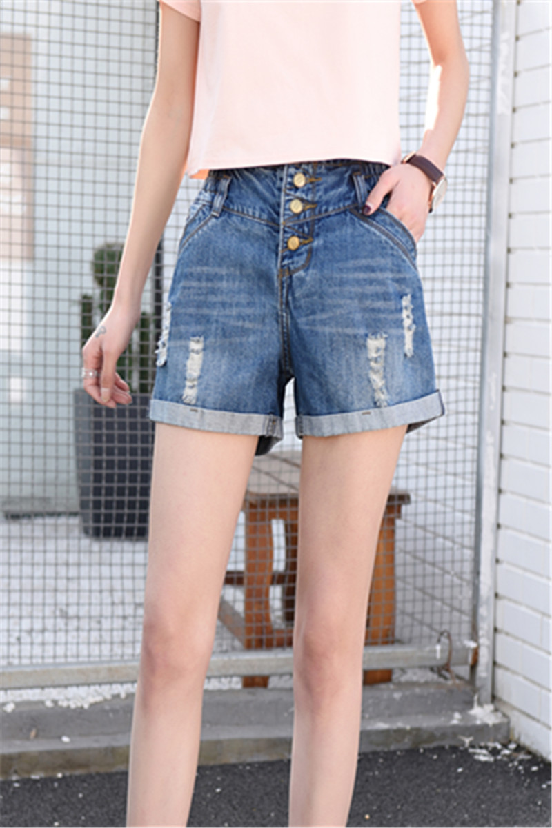 The same summer, the waist is more elastic, the waist is more waist, the waist is tiktok, the jeans are bigger, the shorts are shorter, the trousers are thinner.