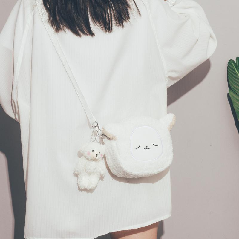 日系可爱小包包女2020新款潮今年流行羊羔毛玩偶包韩版学生斜挎包