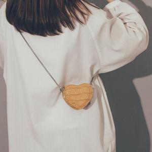 ins网红迷你小包包女2019新款潮韩版百搭斜挎包女chic简约链条包