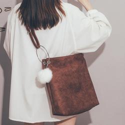 大容量包包女2020新款潮韩版百搭网红斜挎包港风复古单肩托特大包