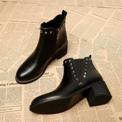 高跟切尔西短靴女2020年秋冬季新款女鞋裸靴中粗跟铆钉靴子马丁靴