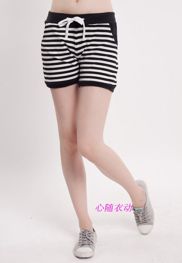Womens Korean fashion leisure pure cotton fattening plus size black and white striped hot pants Home Shorts tailored
