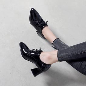 春秋新款粗跟尖头英伦风漆皮高跟鞋