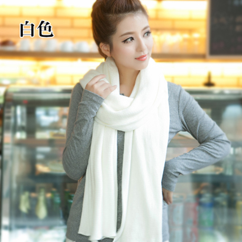 Autumn and winter Korean version mens and womens long pure color wool knitted shawl white scarf student thickened couples neck